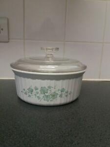 Corning Ware 1.6L White Casserole Dish With Glass Lid Floral Print Ovenproof