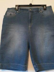 Gloria vanderbilt  12 Blue Jean Shorts