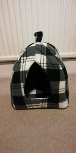 Black and white tartan Cat / small pet house