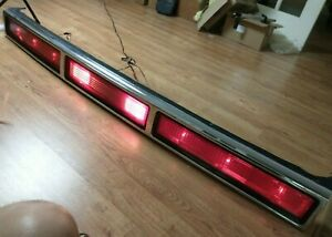 1995 1996 1997 Lincoln Town Car Trunk Lid Tail Light back-up  light Panel OEM