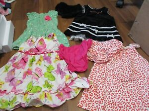 LOT OF GIRLS CLOTHES SIZE 12 MOS CARTER'S, JENNY&ME PLUS MORE