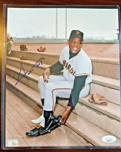 Willie Mays Signed Autographed Auto 8 X 10 Photo JSA Cert SF Giants HOF W Holder