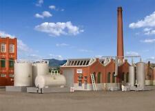 Kibri Shed Hall / Factory with Chimney & Fuel Tanks - Kit - Z Gauge - 36764