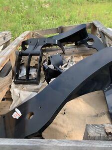 Loader Subframe Mount Brackwts Tractor 10413289 10389696 10413288 10389735 T4050