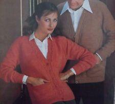 "Ladies & Mens Machine & Hand Knitting Pattern Vintage Cardigan 4Ply 32-42"" R1301"