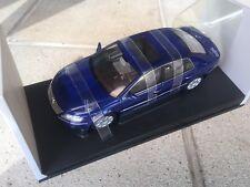 VW Phaeton - 1/18 scale - AUTOart