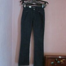 NWT~ MEN'S LEVI'S BOOT CUT BLUE JEANS SIZE 26 x 34. BUTTON CLOSE BACK POCKETS