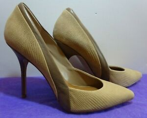 STEVE MADDEN Olive/Biege Two-Tone Stiletto Leather High Heels. Size 10b.