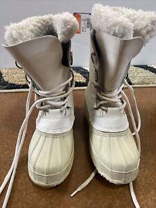 Polaris Snowmobile/ Winter White Boots size 6