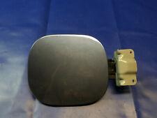 INFINITI FX35 FX50 FUEL GAS TANK FILLER DOOR LID PANEL W/ CAP GRAY K52 # 48709