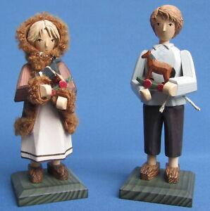 Junge mit Spielzeugpferd & Mädchen mit Spielzeugkuh Steglich Handwerkskunst Neu