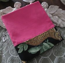 COUNTRY COTTAGE SOLID PINK & BEAUTIFUL TAN SPOTTED AFRICAN LEOPARDS PILLOWCASE