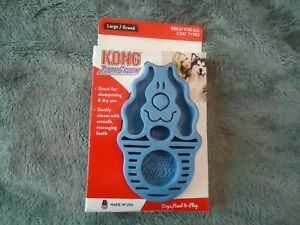 Kong ZoomGroom Size Large Rubber Wet Brush for Wet or Dry Grooming Blue All Coat