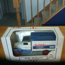 Ertl True Value Hardware 1931 Delivery Truck Die-Cast 1:34 Coin Bank (New)