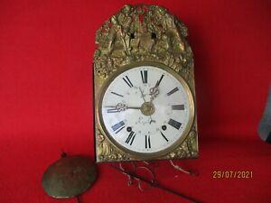 Comtoise Uhr mit drei Glocken,Datum und Wecker Frankreich um 1850 Spindelhemmung