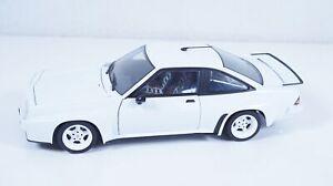 1:18--REVELL--Opel Manta 400  / 20 B 049