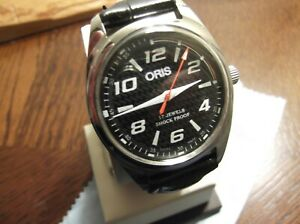 ORIS MENS WATCH BLACK DAIL RED ACCENTS !!