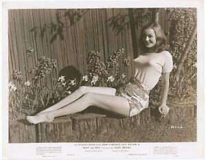 Original 1947 Hazel Brooks Leggy Barefoot Pin-Up Photograph Sunny Outdoors View