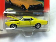 Johnny Lightning Muscle Cars U.S.A. 1967 Olds 442 W/ Card