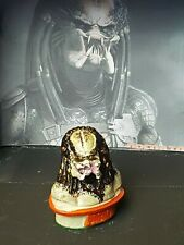 The Predator Mini Bust Figure 8cm Hand-Painted Predator With Felt Base 1/6