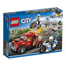 LEGO City Abschleppwagen auf Abwegen (60137)