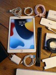 """Apple IPad Pro 9.7"""" (1.Generation) 128GB Silber Wi-Fi Cellular MLQ42FD/A  Pencil"""