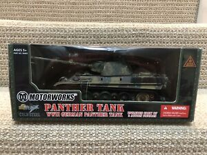 Ultimate Soldier/Motorworks 1:32 German Panther Tank With 2 Crew. No. 99405