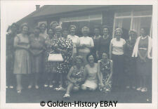 VINTAGE BLACK WHITE PHOTOGRAPH PHOTO GROUP OF WOMEN OUTSIDE HOUSE SOCIAL