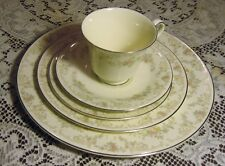 ROYAL DOULTON CHINA DIANA 5 PIECE PLACE SETTING ROMANCE COLLECTION H 5079
