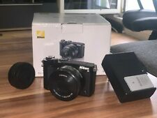 Nikon 1 J5 Systemkamera Gehäuse - Schwarz Neuwertig inkl. 10-30mm VR Objektive