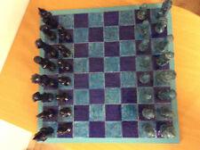 Außergewöhnliches Schachspiel, 65x68 cm, mit 32 großen Figuren 11cm