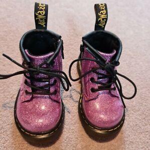 Shiny Glitter Pink Infant Girls DM's Doc Martens Dr Martins Boots Airwair Size 4