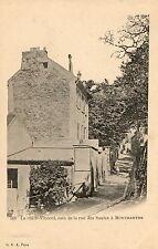 PARIS MONTMARTRE (75) Rue Saint Vincent coin de la rue des Saules