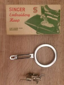 Singer Featherweight 222k Embroidery Hoop 171074 &  x 2 darning foot