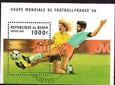 0083+ TIMBRE BENIN  BLOC  COUPE DU MONDE DE FOOT BALL82