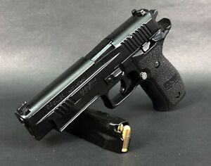 Blackcat Arisoft Mini Model Gun P226 (Shell Eject, Black) - For Display Only