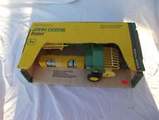 John Deere baler JD 1/16 scale Vintage Ertl Co. NIB NW in YT Box 585 1st edition