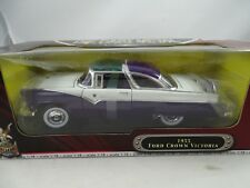 1:18 Road Signature #92138 - 1955 Ford Crown Victoria Purple/Bianco - Rarità