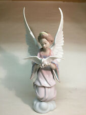collectible vintage porcelain figurines Lladro #6132 Angel of Peace, Retired