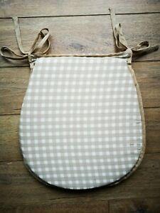 Cache Designs Oval Gingham Zipped Seat Pad - Beige (33 x 37 x 3.5 cm cm)