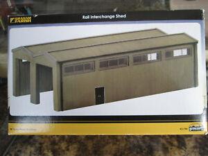 GRAHAM FARISH SCENECRAFT 42-196 RAIL INTERCHANGE SHED  N GAUGE BOXED