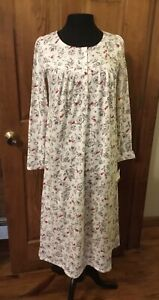 CROFT AND BARROW LONG SLEEVED NIGHTGOWN CARDINAL BIRD Print Size Small