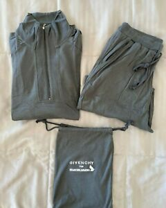 """SINGAPORE AIRLINES (SIA) First Class """"Givenchy"""" Loungewear Large Gray"""