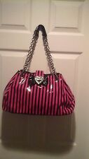 WOMANS RARE TOO FAST PURSE, BLACK AND FUSHIA, LARGE, MUST CHECK OUT PICTURE'S
