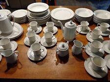 92 PIECE GIBSON WHITE AND GOLD TRIM DISH DISHES DINNERWARE SET SERVICE FOR 16