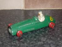 DINKY TOYS No.233 COOPER BRISTOL No.6 RACING CAR GREEN BODY & WHITE DRIVER