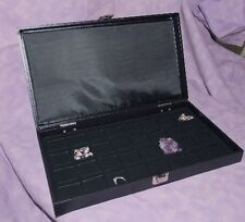 TRAVELING EARRING/JEWELRY 32 SLOT JEWELRY DISPLAY CASE