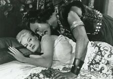 ANITA EKBERG  JACK PALANCE  LES MONGOLS  1961 PHOTO ARGENTIQUE VINTAGE