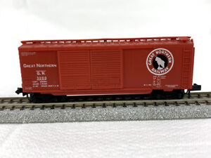 N Scale - Micro-Trains #23190-1 - Great Northern #3000 40' Boxcar - Yellow Label