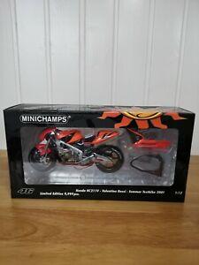 MINICHAMPS 1/12 VALENTINO ROSSI HONDA RC211V SUMMER TESTBIKE 2001 MOTO GP BIKE